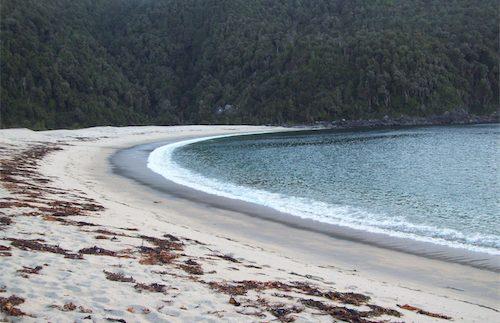 100_0112-playa_desembocadura__del_rio_hueyelhue